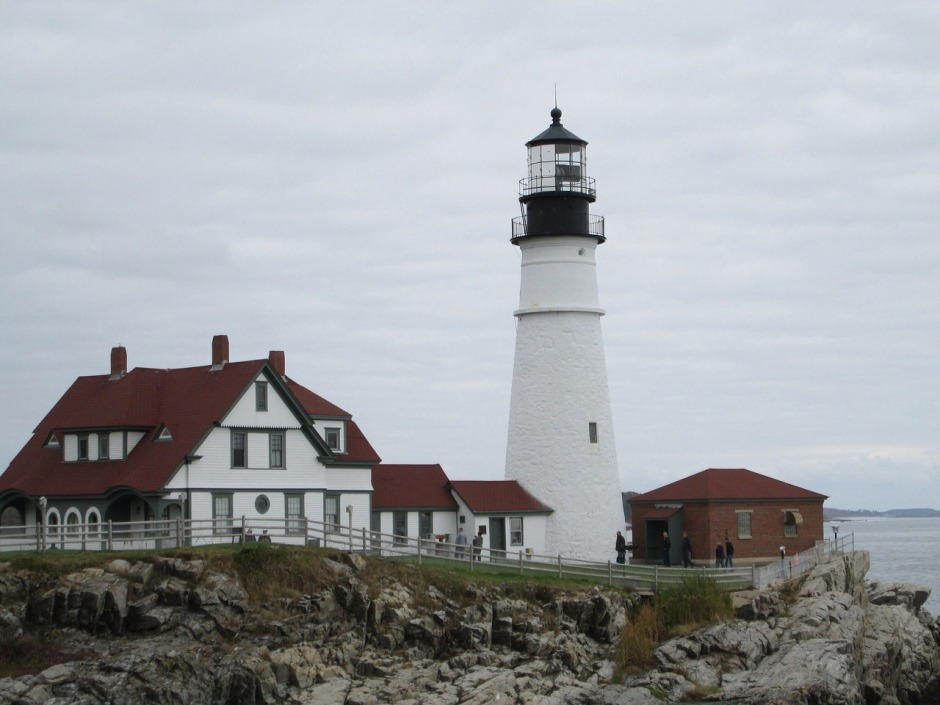 lighthouse-320570_1280